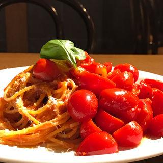 大塚さんのアイコトマトポモドーロスパゲティーニ(ノック クッチーナ・ボナ・イタリアーナ (KNOCK CUCINA BUONA ITALIANA))