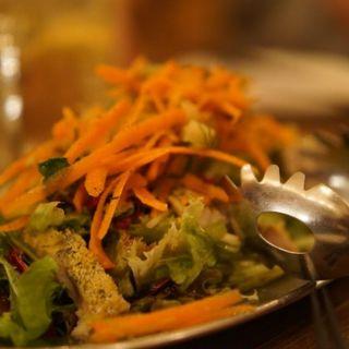 アジの香草パン粉焼き ニンジンと白ウリのラぺサラダ