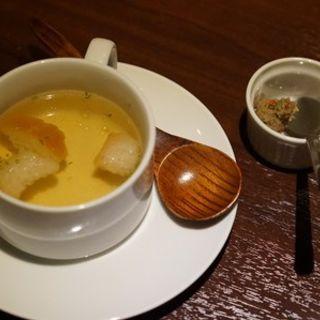 コンソメスープ(鶏レバーペースト付)(鉄板焼 grow 六本木店 )