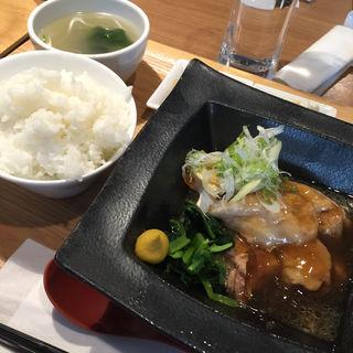 とろふわ豚の角煮定食(沖縄ワインダイニング )
