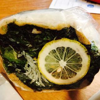 ソルトレモンとしらすのサニーレタスサラダ( POTASTA 東京国際フォーラム店)