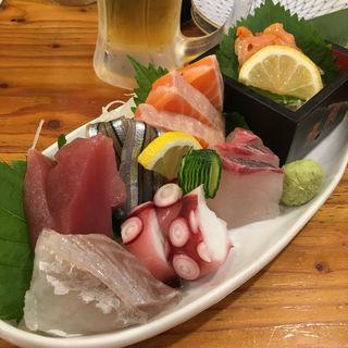 魚鮮刺身盛り合わせ(魚鮮本店 (ウオセンホンテン))