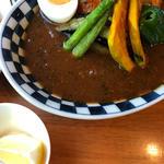 【Cランチ】信州ハーブ鶏のトマト煮込みと彩り野菜のスープカレー