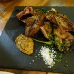 マンガリッツア豚塊肉の炭火焼き