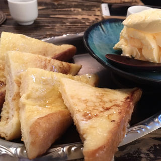 フレンチトースト(花葉根 )