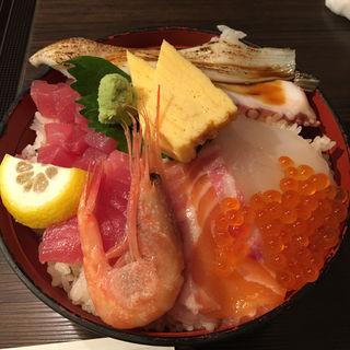 上海鮮丼(魚河岸料理 うおぎん )