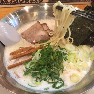 とんこつしおラーメン(らーめん 麺虎 )