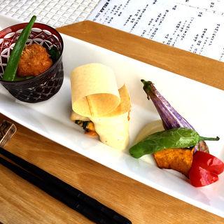ハマチと柿の重ね焼き チーズソース & 鱧フライ(Relax (リラックス))