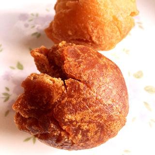 サーターアンダギー(黒糖)(サンドス (sandos))