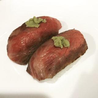 白老牛のステーキ握り(ウエムラ (ウエムラ牧場))