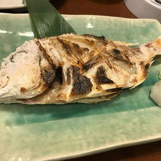 連子鯛の塩焼き(博多海鮮魚市場)