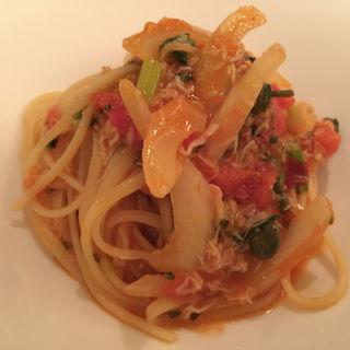 ずわい蟹とセロリ、フレッシュトマトのソース バベッティーニ(リストランテ カノフィーロ)