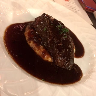 佐賀県産 牛ホホ肉の赤ワイン煮込み (WINE & BISTRO LA CAVE Jelly Beans(ワイン&ビストロ ラ・カーヴ・ジェリービーンズ))