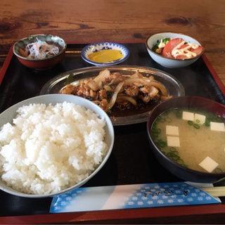 ホルモン定食(藤吉亭 )