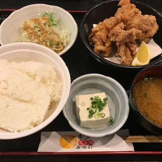 唐揚げ定食(ランチ)(博多一番どり 居食家あらい 楽市街道箱崎店 )