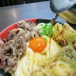 肉釜玉うどん(極楽うどん Ah-麺)