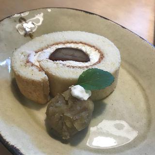 栗のロールケーキ(cafe百音)