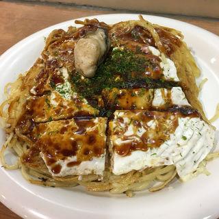 ■カキ入りそば肉玉子(みっちゃん総本店 広島新幹線名店街店 )