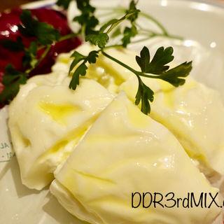 プーリア州産クリーミーなフレッシュチーズ ブラータ(ピグレット )