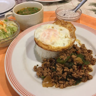 ガパオ ランチ(サワデーすみ芳 鶴舞店 (サワデースミヨシ))