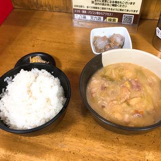 豚汁定食(十八番 本店 (ジュウハチバン))
