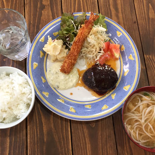 コンビランチ(食堂カフェ 晴耕雨読)