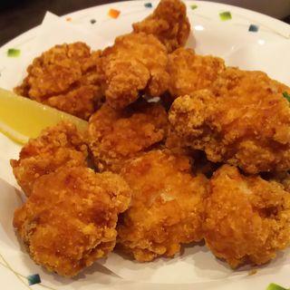若鶏の唐揚げメガ盛り(カラオケ本舗 まねきねこ 鹿島田店)