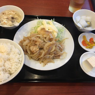 豚肉の生姜焼き (週替わりランチ)(知味軒)
