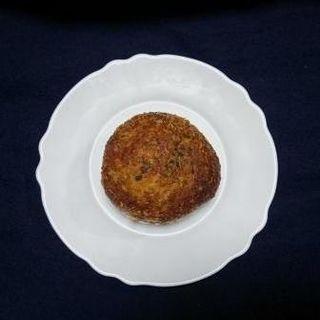 チーズカレーパン(ゴーダ&パセリ)(ペイストリーショップ Sweets&Deli)