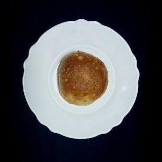 半熟卵のカレーパン(おとぎのくまぱん)