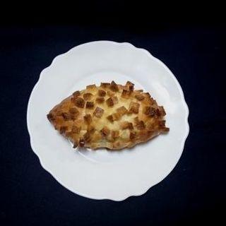 大きめ衣のカレーパン(bakery yonezaemon(ベーカリー・ヨネザエモン))