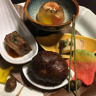 エクルビス琥珀寄せ 鰻の有馬煮 栗渋皮 牛炙りの蕃茄(三桝家 )