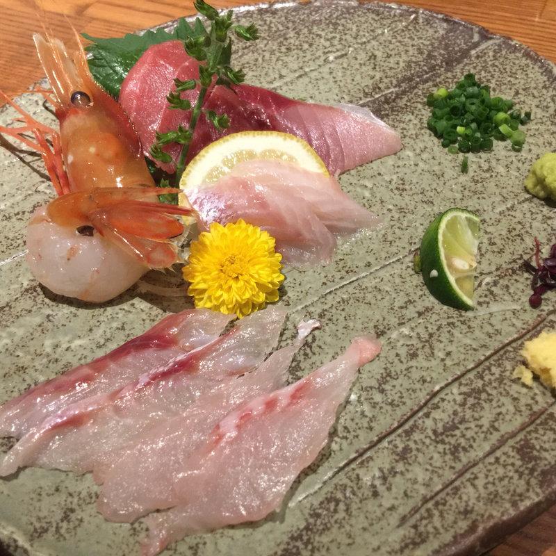 生物好きなら見逃せない!魚だけでなく肉もある日比谷の刺身メニュー特集