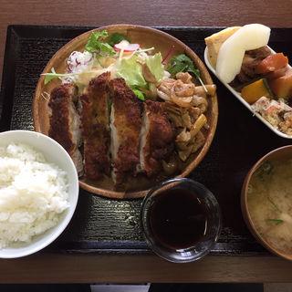 A肉ランチ(生姜焼きorチキンカツ)(はっちゃんの台所)