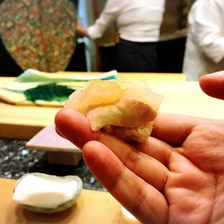 かわはぎと肝(初音鮨 (はつねすし))