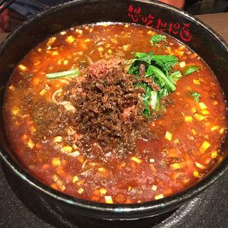 黒ゴマ汁有り担担麺ひき肉のせ(麦入りご飯付)(想吃担担面 エスカ店 (シャンツーダンダンミェン))