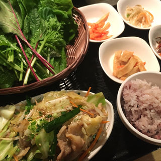 生姜焼きサンパ定食(やさい村大地 赤坂田町通り店 )