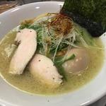 鶏白湯 塩ラーメン(鶏冠 (トサカ))