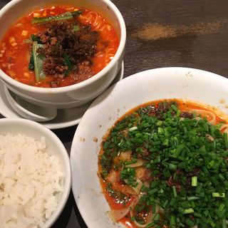 担々麺 + 汁なし担々麺 セット(想吃担担面 エスカ店 (シャンツーダンダンミェン))