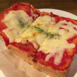 ピザトースト(Cafe 季庵 Sweets Room 松井山手店 (カフェ ぎあん スウィートルーム))