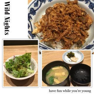 季節のかき揚げ丼(サラダ、みそ汁付)(天ぷら新宿つな八 KITTE博多店)