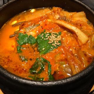 京豆腐のスンドゥブ(豆腐チゲ) 〈ライスキムチ付〉(焼肉チャンピオン 東京プリンスホテル店 )