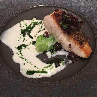真鯛の魚料理(インターセクトバイレクサス (INTERSECT BY LEXUS))