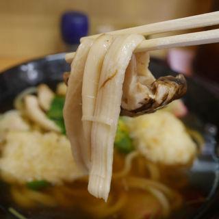 松茸とハモ天の土瓶蒸し風うどん(手打ちうどん 紅屋)
