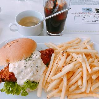 チーズ&フィッシュバーガー