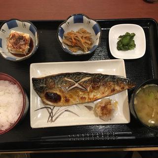 鮭の塩焼き定食(璃珠)