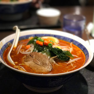 麻辣刀削麺(祥龍房刀削麺荘 )