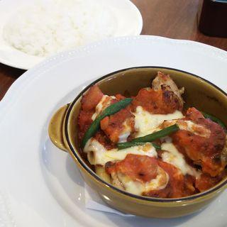 ロースハムと玉子のサラダ+若鶏オーブン焼き~トマトソース&チーズ(ロイヤルホスト 北山店 (Royal Host))