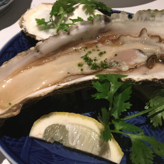 生牡蠣(ツバキ (TSUBAKI))