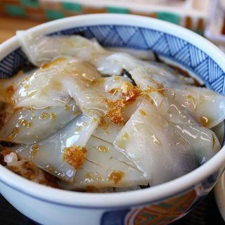 イカ丼(めがね丸 (めがねまる))